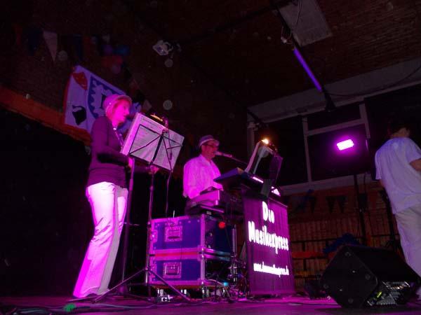 Demos vom Duo Musikexpress bei einer Fasnachtsveranstaltung am Bodensee